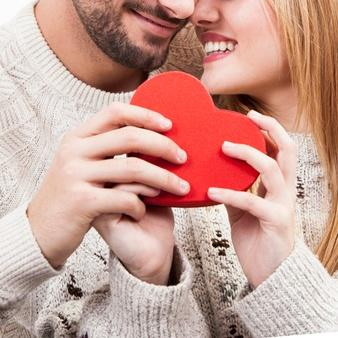 Do I Need to Give my Girlfriend a Valentine's Day Gift? – Brilliant Gifts