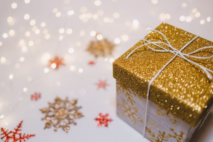 Women's Christmas gift buying guide for Black Friday